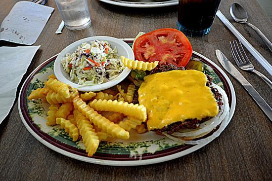 Coffee Carrousel: Cheeseburger Plate