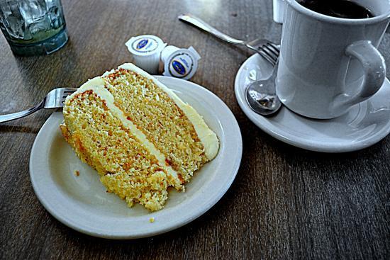 Coffee Carrousel: Orange Cake and Coffee