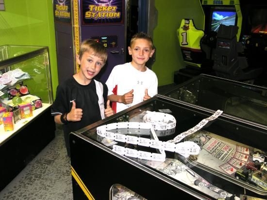 Laser Mania Family Fun Center: Arcade Games