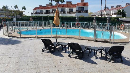 Apartamentos Don Pedro: бассейн