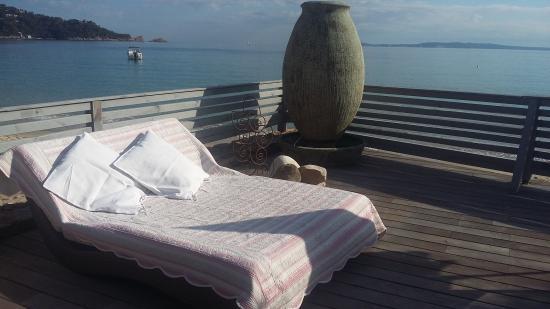 le cabanon sur la gauche photo de villa mauresque cavaliere cavali re tripadvisor. Black Bedroom Furniture Sets. Home Design Ideas