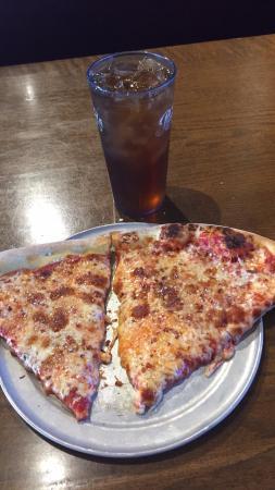 Shoe's Pizza