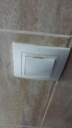 Econotel Kensington : interruptor baño