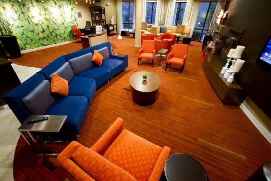 Courtyard Danville : Lounge