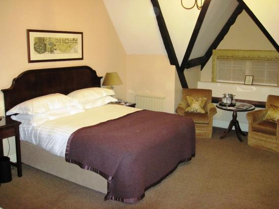 Double room #025 at The Bear Hotel (02/Nov/15).