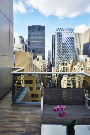 The Gotham Hotel : Hotel Balcony