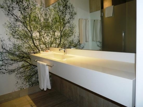 Illot Suites & Spa: Waschtisch