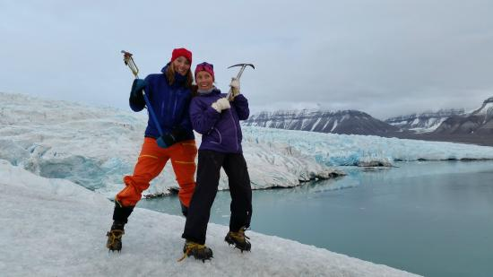 Svalbard Wildlife Expeditions: Glacier walk on Nordenskiôld glacier