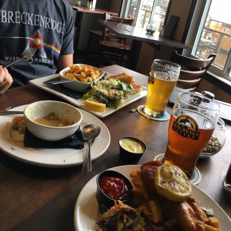Cowichan Bay, Kanada: Perfect lunch for hungry travelers at a great price