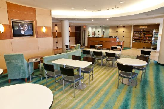 SpringHill Suites by Marriott Lynchburg : Dining Area