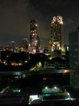 I Galleria Hotel Sukhumvit 13: quk5PmHsomctc6VTZhinH9nNMRjmDF0NWmCB2s5GtIE_large.jpg
