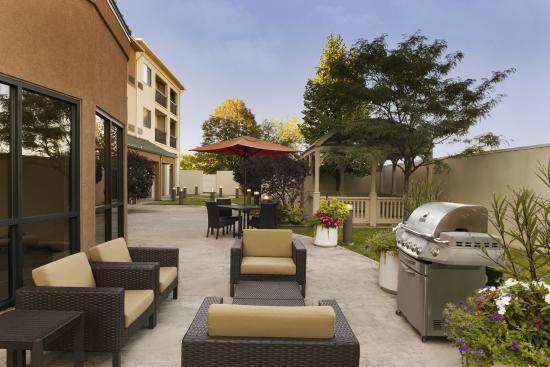 Courtyard Peoria: The Courtyard