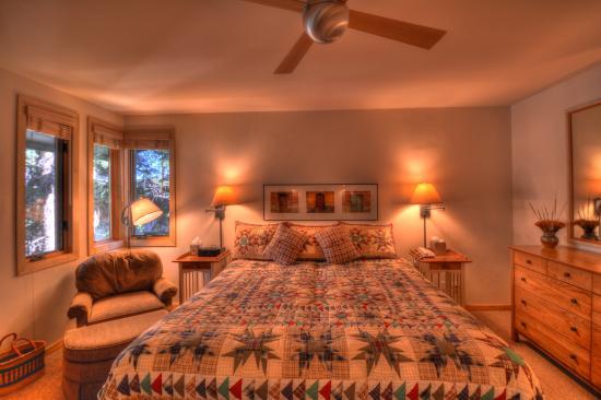 Tamarack Townhouses, A Destination Residence: Bedroom