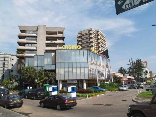 Libreville, Gabun: casino Croisette - façade