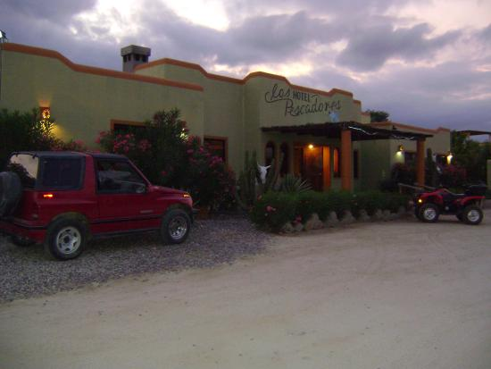 Hotel Los Pescadores: view from street, hotel from
