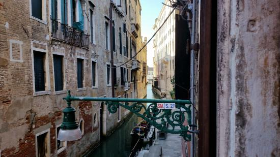 Zaguri B&B: View toward Grand Canal