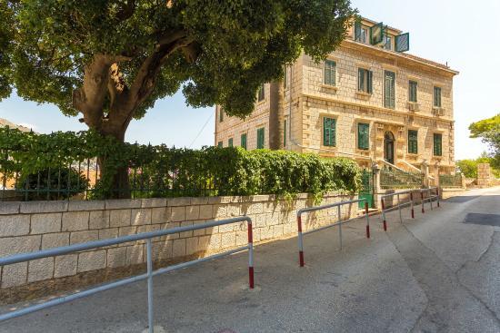 Photo of Apartment & Room Lukre Dubrovnik