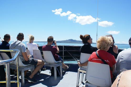 Explore - Auckland Harbour Sailing : Explore Rangitoto