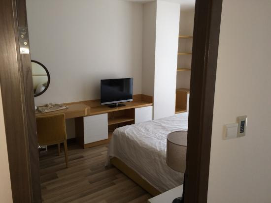 Bluesky Serviced Apartment Saigon Airport Plaza