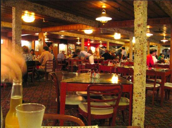 Kelly's Fish House Dining Room: 5th ave dining at it's best