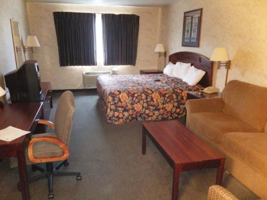 Colfax, IA: King suite