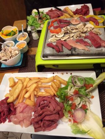La Table de Marie: meat fondoue