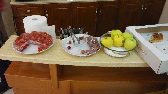 Hotel Sky Roma: c'est ce qui s'appelle un buffet !