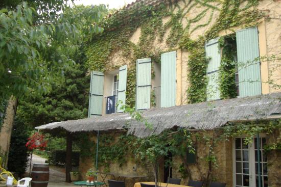 Moulin d'Antelon: Delightful Courtyard