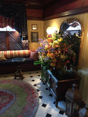 The Inn at Little Washington: Lobby, fresh flowers, just beautiful!