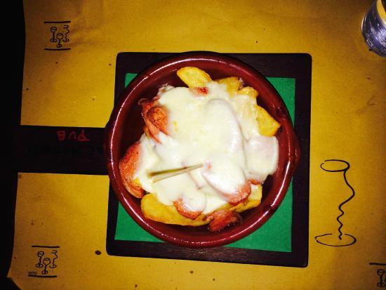Ricetta Tegamino Wurstel.Tegame Con Patate Fritte Wurstel E Provola Foto Di Balmoral Scottish Pub Napoli Tripadvisor
