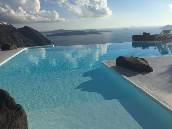 Aenaon Villas: The luxurious pool