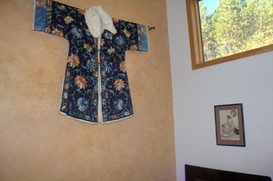 Blue Mountain Bed & Breakfast: Syringa Room decor