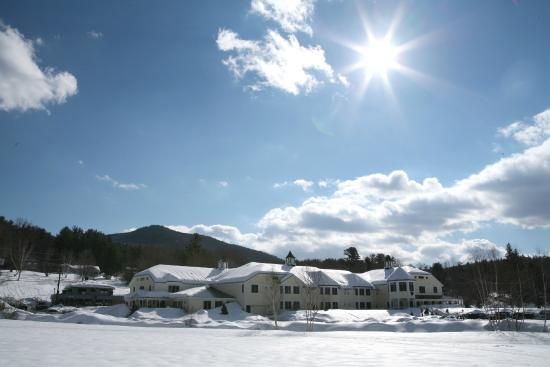 Snowflake Inn: A Bright, Crisp Winter Morning, great for a Sleigh Ride, XC Skiing from the door & More!