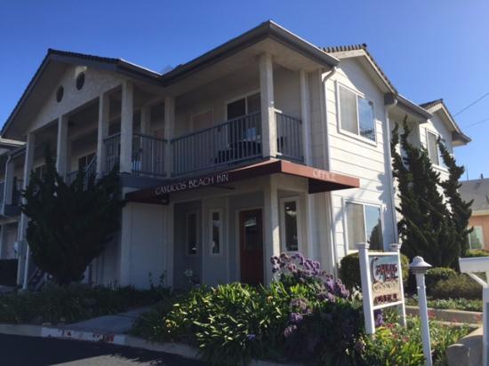 Cayucos Beach Inn: ホテル エントランス付近