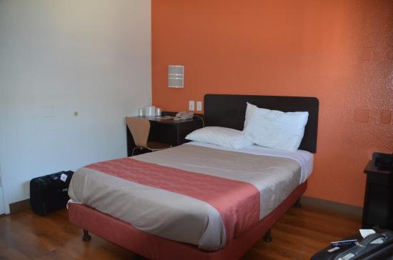 Motel 6 Oakland Airport: Mini-Doppelbett