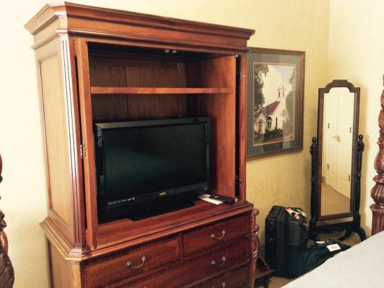 Church Street Inn: Large cabinet with drawers, containing TV