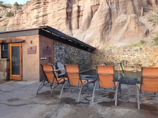 Ojo Caliente, Nowy Meksyk: Outdoor Mineral Springs