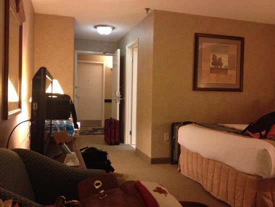 Room 2 Picture Of Best Western Plus Cairn Croft Hotel Niagara Falls Tripadvisor