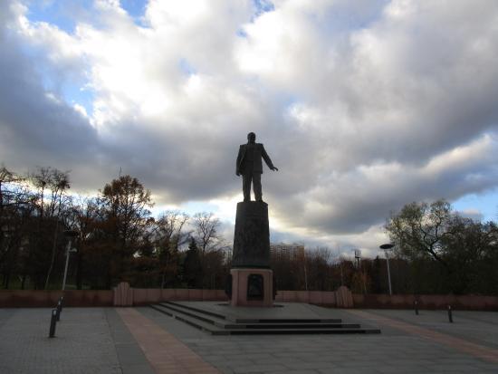 Памятник Королёву