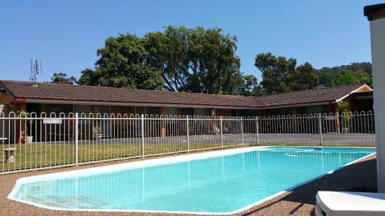 Central Coast Motel: Motel Pool Area