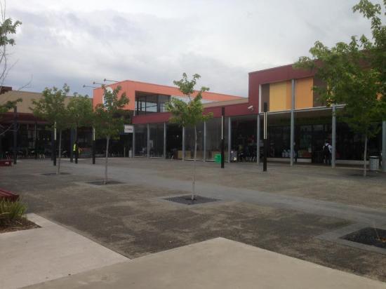 Cairnlea Town Centre