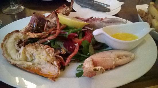 Ouzos Bar & Grill: Ouzos: mussels,lobsters and great food