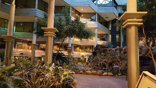 Hilton Chicago/Indian Lakes Resort: 20151110_063039_large.jpg