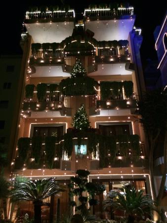 Michelangelo Hotel: Night view