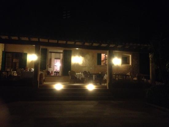 Campanet, Spanje: terras s'avonds
