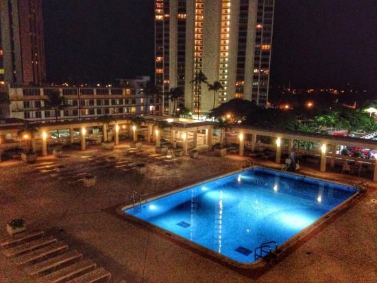 Ala Moana Pool Picture Of Ala Moana Honolulu By Mantra Oahu Tripadvisor