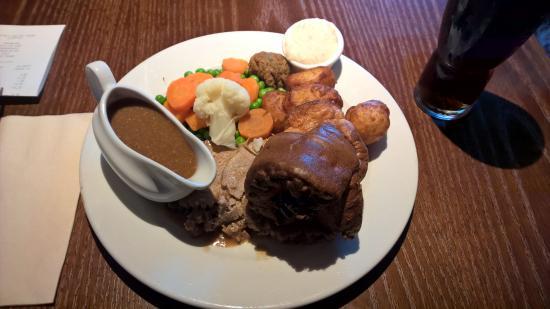 Shoeburyness, UK : Sunday roast