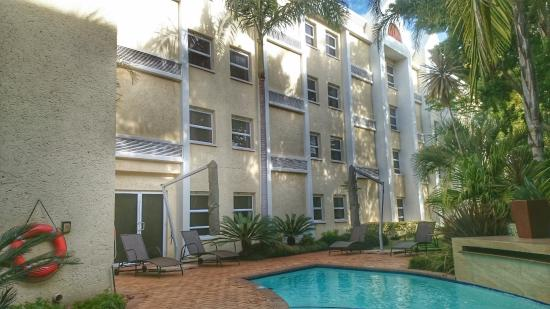 StayEasy Pretoria: Garden and private pool area