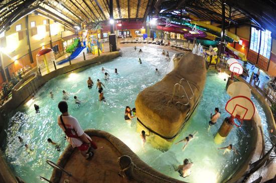 Red Jacket Mountain View Resort & Water Park: Kahuna Laguna Indoor Water Park