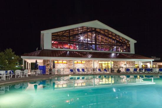 Red Jacket Mountain View Resort & Water Park : Water Park and outdoor pool